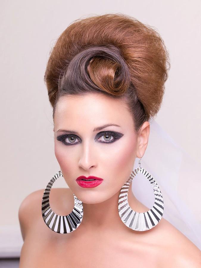 Face Modeling Earrings Photo 103203 By Laura Kopel