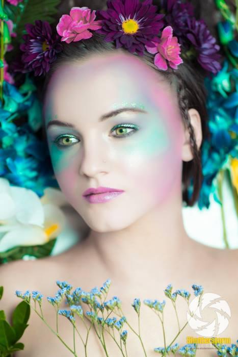 Laura Lucy Mcdonald model. Photoshoot of model Laura Lucy Mcdonald demonstrating Face Modeling.Face Modeling Photo #91221