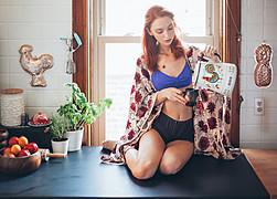 Lauren Rebecca Roth model. Photoshoot of model Lauren Rebecca Roth demonstrating Commercial Modeling.Commercial Modeling Photo #114400