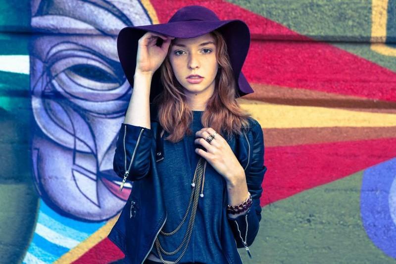 Lauren Rebecca Roth model. Photoshoot of model Lauren Rebecca Roth demonstrating Face Modeling.Face Modeling Photo #114437