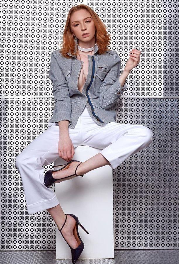 Lauren Rebecca Roth Model