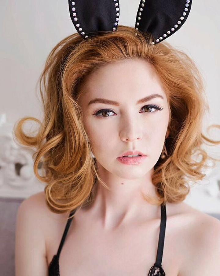Lauren Rebecca Roth model. Photoshoot of model Lauren Rebecca Roth demonstrating Face Modeling.Face Modeling Photo #170664