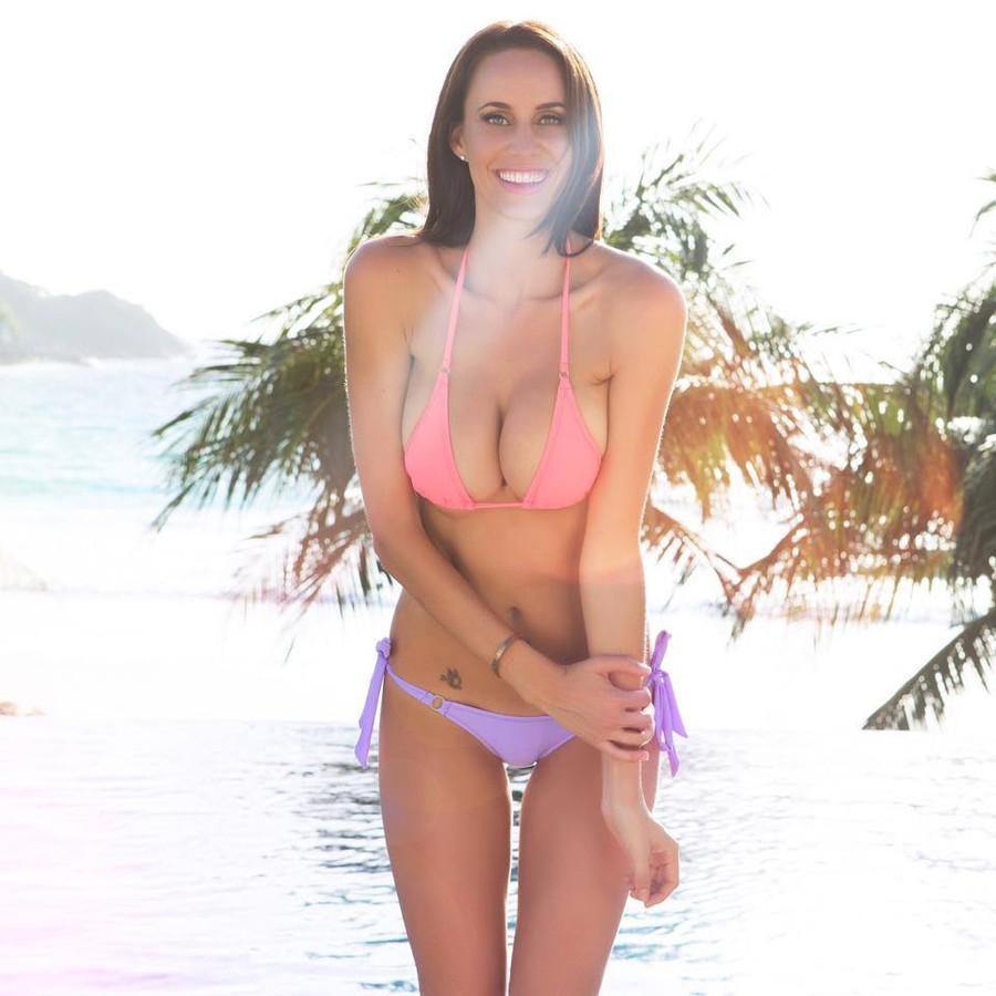 Lauren Vickers model. Photoshoot of model Lauren Vickers demonstrating Body Modeling.Body Modeling Photo #112285
