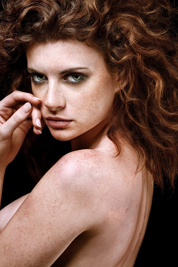 Lea Manon model (modèle). Photoshoot of model Lea Manon demonstrating Face Modeling.Face Modeling Photo #73173