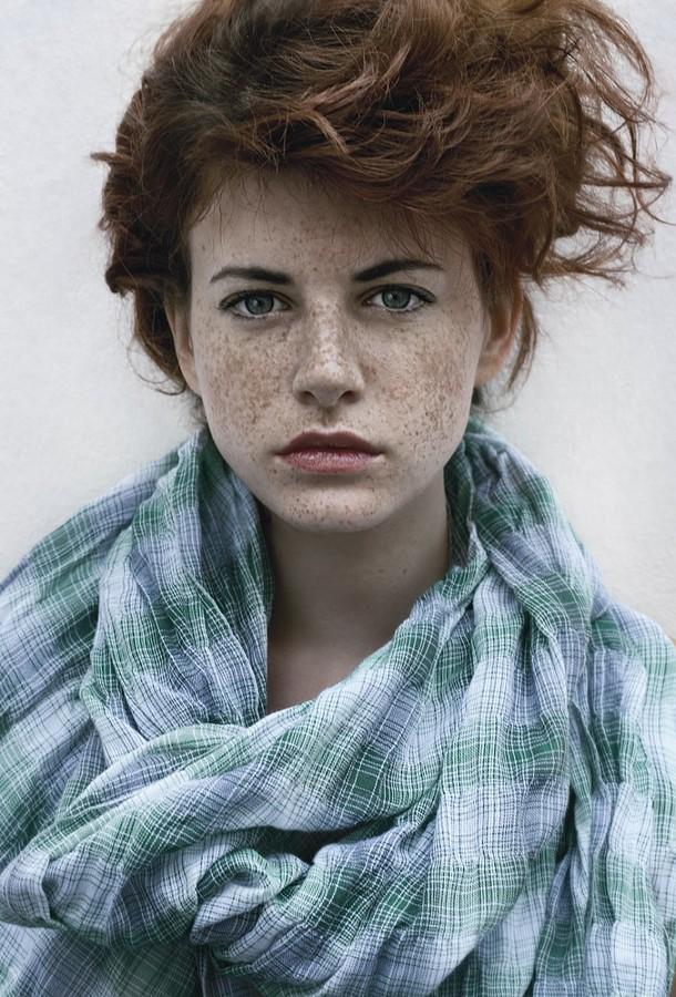 Lea Manon model (modèle). Photoshoot of model Lea Manon demonstrating Face Modeling.Face Modeling Photo #73174