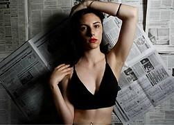 Lia Natoudy model (μοντέλο). Photoshoot of model Lia Natoudy demonstrating Face Modeling.Face Modeling Photo #204302