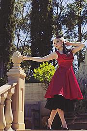 Lilith Von Dahlia model. Lilith Von Dahlia demonstrating Fashion Modeling, in a photoshoot by Jemima Richards.photographer Jemima RichardsHannah Kay MakeupFashion Modeling Photo #85396