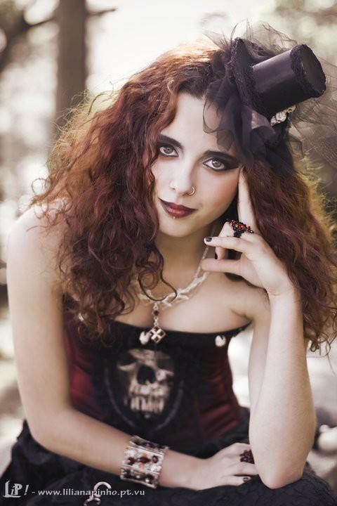 Lily Anaïl Maquiador