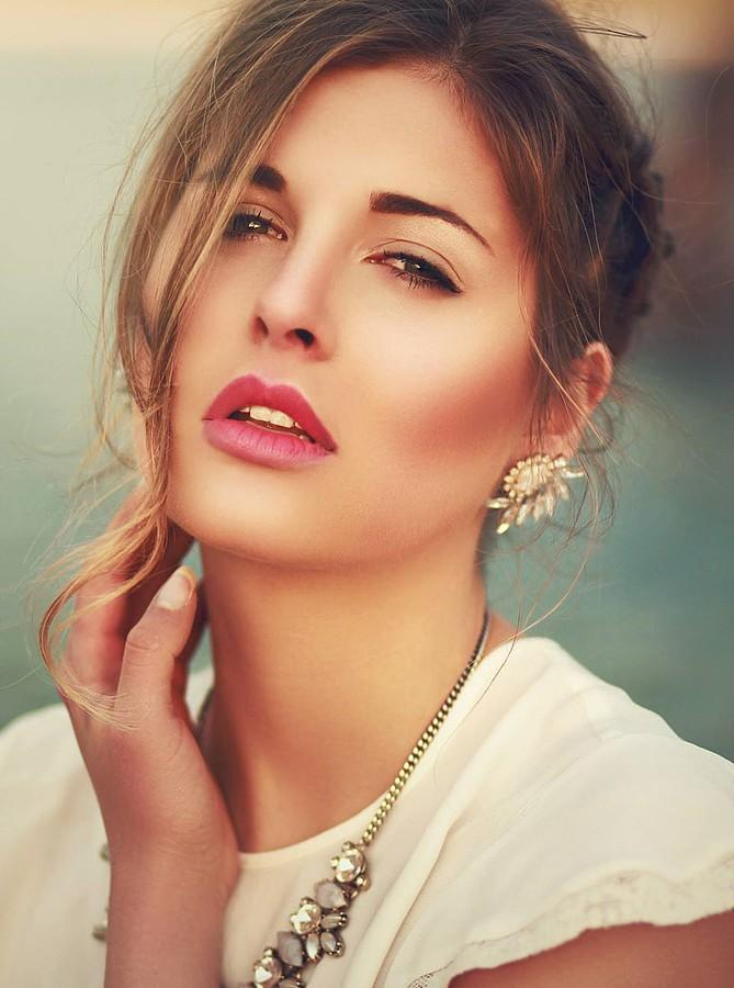 Lina Roth Modell