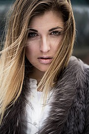 Lina Roth model (modell). Photoshoot of model Lina Roth demonstrating Face Modeling.Face Modeling Photo #91613