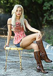 Lisa Lee Marie model. Photoshoot of model Lisa Lee Marie demonstrating Fashion Modeling.Fashion Modeling Photo #90298