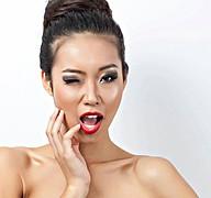 Lisa Ma model. Photoshoot of model Lisa Ma demonstrating Face Modeling.Face Modeling Photo #71430