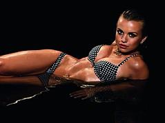 Lisa Marie Winther model. Photoshoot of model Lisa Marie Winther demonstrating Body Modeling.Body Modeling Photo #109360