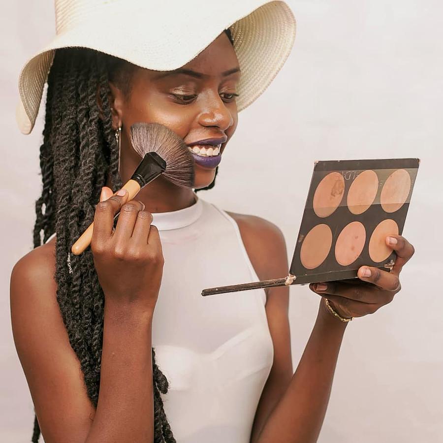 Liz Mugambi Model