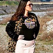 Η Λίζα Ξάνθου είναι μοντέλο με βάση τα Τρίκαλα. Παράλληλα με το μόντελινγκ η Λίζα είναι καθηγήτρια αγγλικών. Η εμπειρία της περιλαμβάνει φωτ