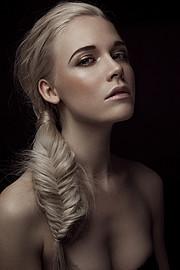 Lucie Bremeault photographer (photographe). Work by photographer Lucie Bremeault demonstrating Portrait Photography.Portrait Photography Photo #96200