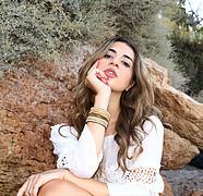 Lucy Samara model (μοντέλο). Photoshoot of model Lucy Samara demonstrating Face Modeling.Face Modeling Photo #214180