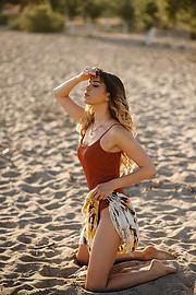 Lucy Samara model (μοντέλο). Photoshoot of model Lucy Samara demonstrating Body Modeling.Body Modeling Photo #223422