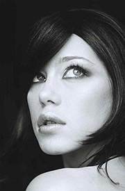 Ludmila Kudjakova model (modèle). Photoshoot of model Ludmila Kudjakova demonstrating Face Modeling.Face Modeling Photo #66876