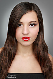 Luiza Linhares model. Photoshoot of model Luiza Linhares demonstrating Face Modeling.Face Modeling Photo #122569