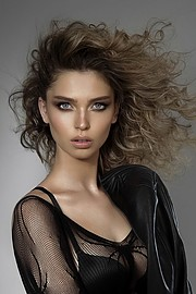 Lush Athens model management. Women Casting by Lush Athens.model: SONIA MELLWomen Casting Photo #194299