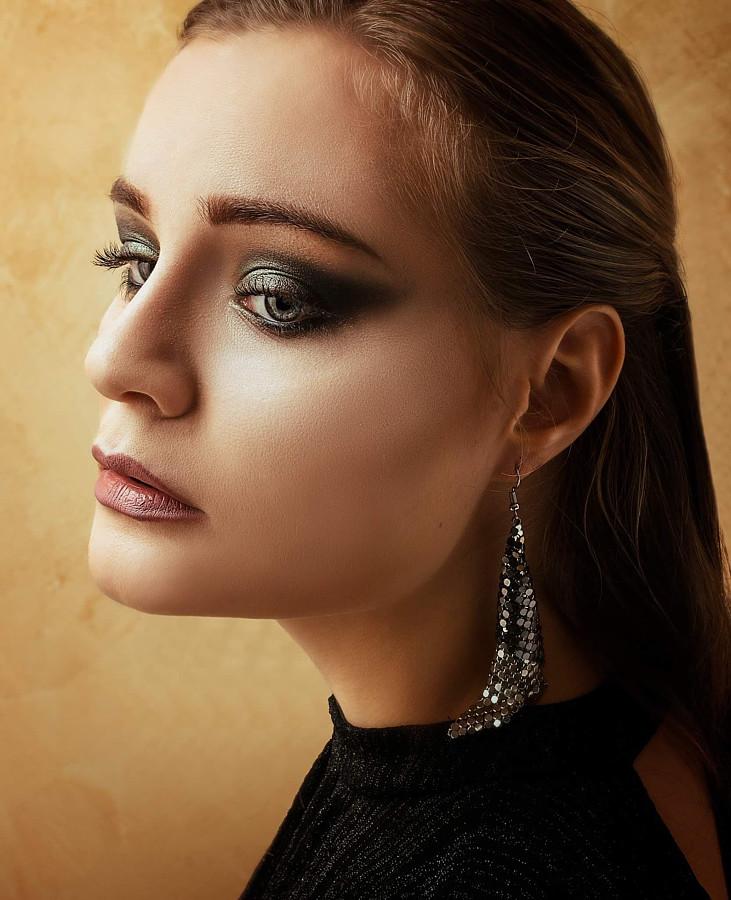 Lydia Sapokili makeup artist (μακιγιέρ). Work by makeup artist Lydia Sapokili demonstrating Beauty Makeup in a photoshoot by Vasilis Filipopoulos.photographer: Vasilis FilipopoulosBeauty Makeup Photo #220710