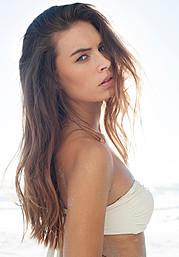 Lynn Schooling model. Photoshoot of model Lynn Schooling demonstrating Face Modeling.Face Modeling Photo #142143