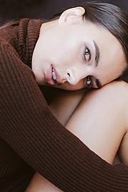 Lynn Schooling model. Photoshoot of model Lynn Schooling demonstrating Face Modeling.Face Modeling Photo #142150