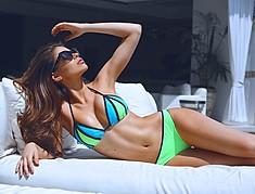 Mabelynn Capeluj model. Photoshoot of model Mabelynn Capeluj demonstrating Body Modeling.Body Modeling Photo #173848