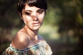 Madalina Sinoae model. Photoshoot of model Madalina Sinoae demonstrating Face Modeling.Face Modeling Photo #94589