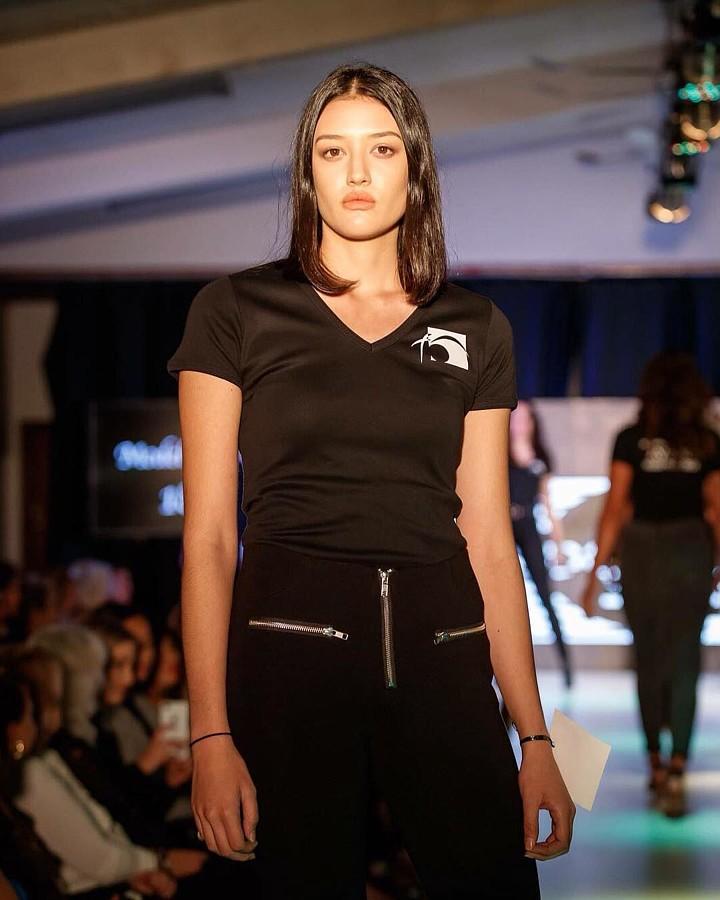 Maddie Daly model. Photoshoot of model Maddie Daly demonstrating Runway Modeling.Runway Modeling Photo #208272