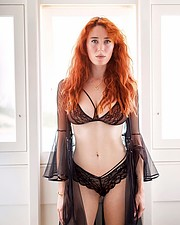 Madeleine Baldacchino model. Photoshoot of model Madeleine Baldacchino demonstrating Body Modeling.Body Modeling Photo #214631