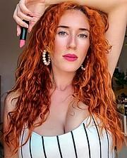 Madeleine Baldacchino model. Photoshoot of model Madeleine Baldacchino demonstrating Face Modeling.Face Modeling Photo #214634