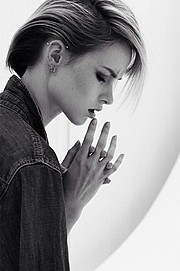 Madeline O'Sullivan model. Photoshoot of model Madeline O Sullivan demonstrating Face Modeling.Face Modeling Photo #182338