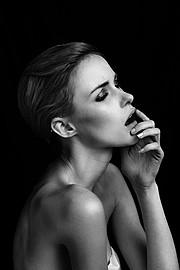 Madeline O'Sullivan model. Photoshoot of model Madeline O Sullivan demonstrating Face Modeling.Face Modeling Photo #95483