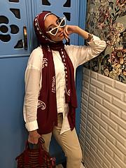Mai Hisham model. Photoshoot of model Mai Hisham demonstrating Face Modeling.Face Modeling Photo #212097