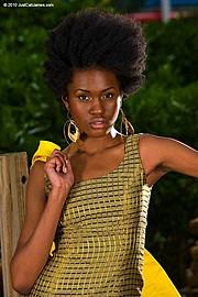 Mala Guthrie model. Photoshoot of model Mala Guthrie demonstrating Face Modeling.Face Modeling Photo #170098