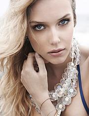 Malgosia Guzowska model (modelka). Photoshoot of model Malgosia Guzowska demonstrating Face Modeling.Face Modeling Photo #104993