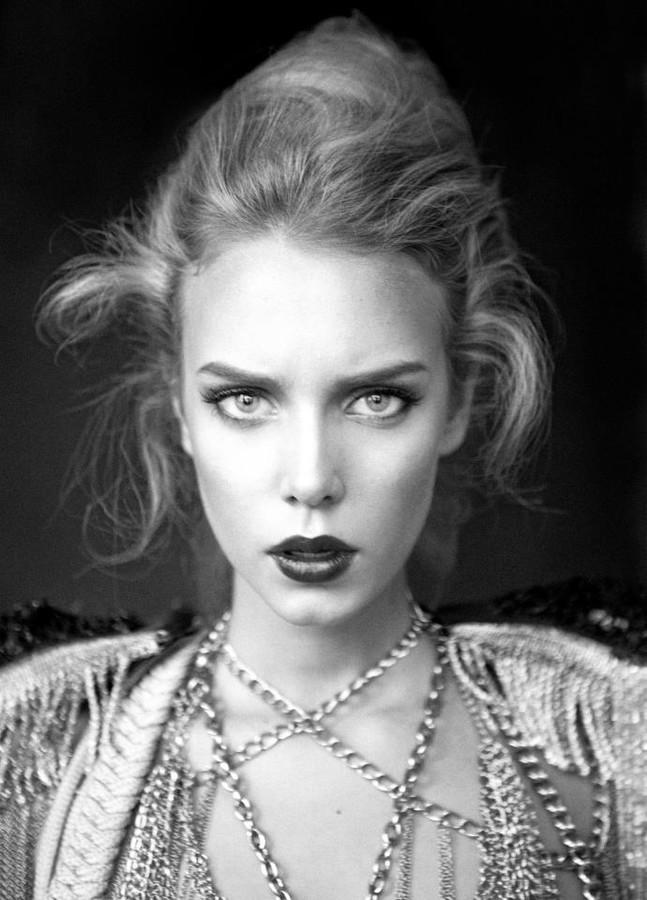 Malgosia Guzowska model (modelka). Photoshoot of model Malgosia Guzowska demonstrating Face Modeling.Face Modeling Photo #104992