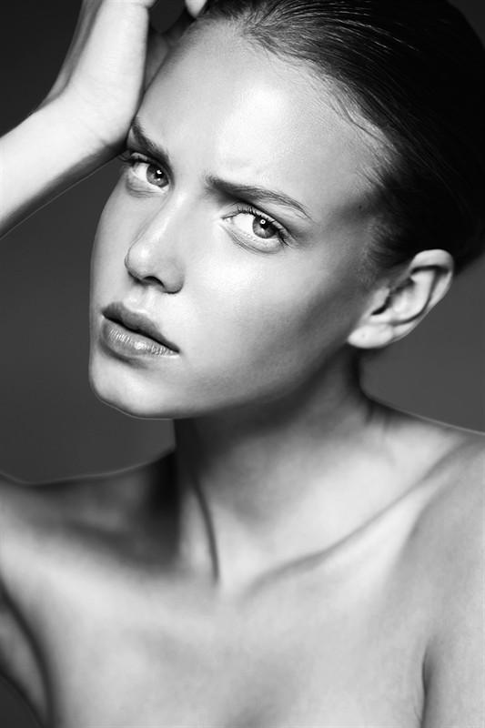 Malgosia Guzowska model (modelka). Photoshoot of model Malgosia Guzowska demonstrating Face Modeling.Face Modeling Photo #105047