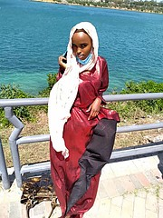 mandeq is an 18 yrs old aspiring model who lives in Mombasa, Kenya . she's a student of mass communication and media studies in Mombasa avia