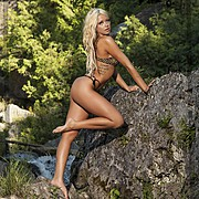 Mandi is a Canadian model, located in Toronto Ontario. She is aspiring to become a future playboy/playmate. Available for fashion and print
