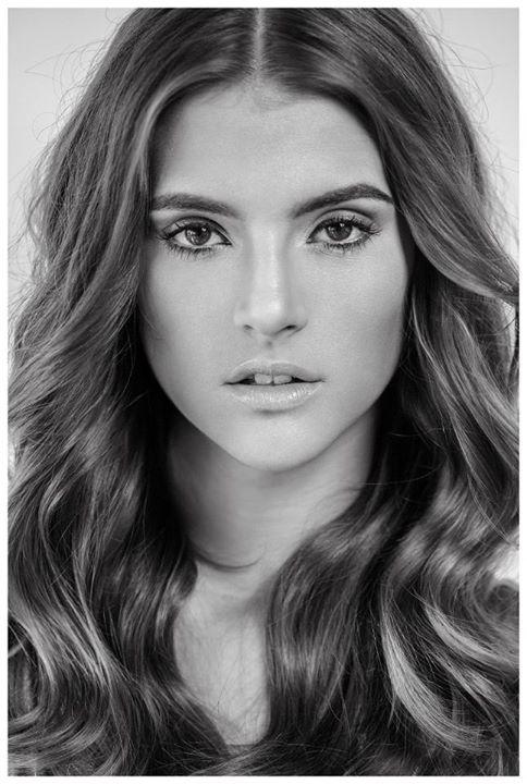 Maria Alejandra Barrios Makeup Artist