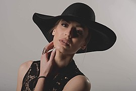 Maria Christidi model (modell). Photoshoot of model Maria Christidi demonstrating Face Modeling.Face Modeling Photo #184190