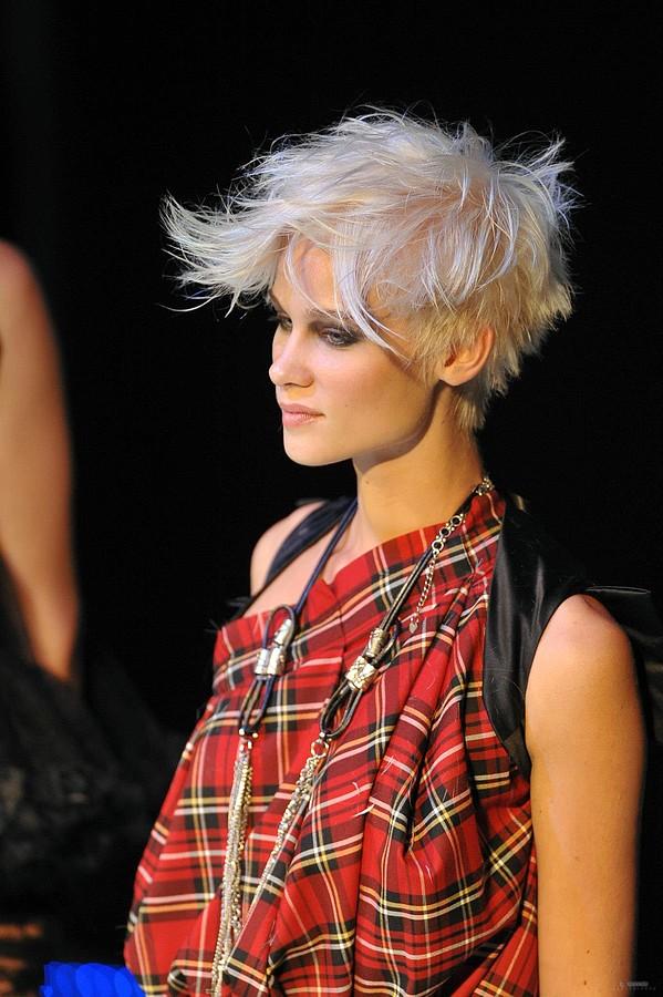 Maria Dretaki hair stylist (Μαρία Δρετάκη κομμωτής). Work by hair stylist Maria Dretaki demonstrating Fashion Hair Styling.Fashion Hair Styling Photo #187038