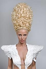 Maria Dretaki hair stylist (Μαρία Δρετάκη κομμωτής). Work by hair stylist Maria Dretaki demonstrating Creative Hair Styling.H ωραία ελένη της τροίας (Ηelen of Τroy)BraidsCreative Hair Styling Photo #187053