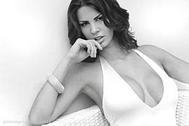 Maria Elena Monego model (modella). Photoshoot of model Maria Elena Monego demonstrating Face Modeling.Face Modeling Photo #135224