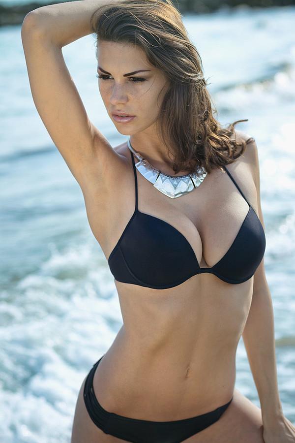 Maria Elena Monego model (modella). Photoshoot of model Maria Elena Monego demonstrating Body Modeling.Body Modeling Photo #135249