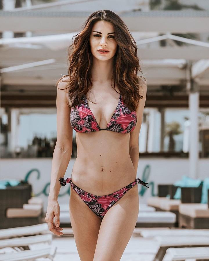 Maria Elena Monego model (modella). Photoshoot of model Maria Elena Monego demonstrating Body Modeling.Body Modeling Photo #227418