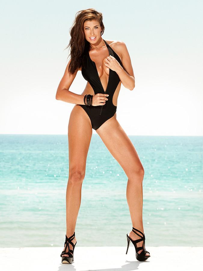 Maria Eriksson model. Photoshoot of model Maria Eriksson demonstrating Body Modeling.Body Modeling Photo #172401